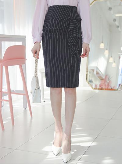 Pinstripe Side Frill Shirring Skirt