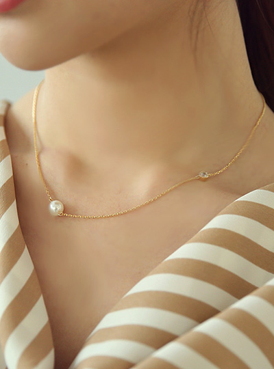 Cubic&Pearl 더블포인트 Necklace