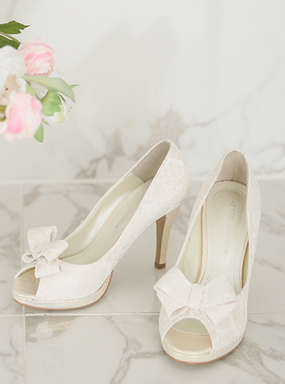 Romantic Race Wedding Shoes (removable ribbon)