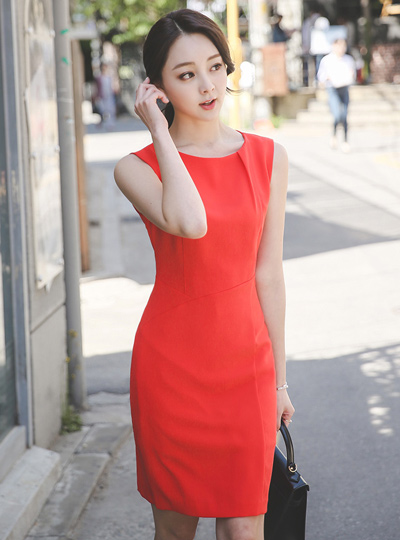 Minimal pin tuck Hline Dress