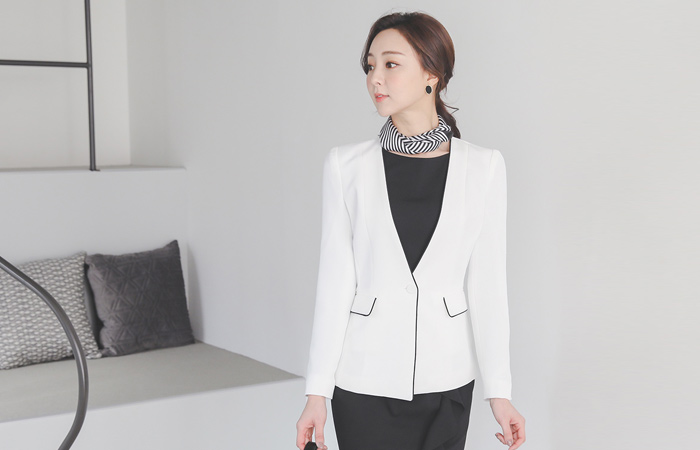 Modern Piping No-collar One-Button Jacket