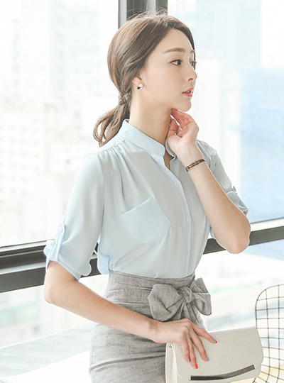 Pocket half open China Rollup Blouse