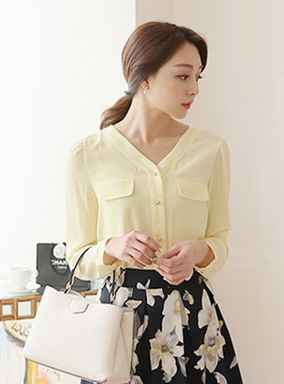 V-neck double pocket Blouse (spring)