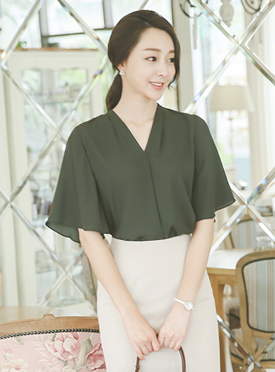 Nature V-neck wing Blouse