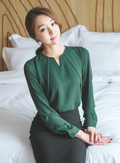 V teuim goldeuba Blouse (Long Sleeve)