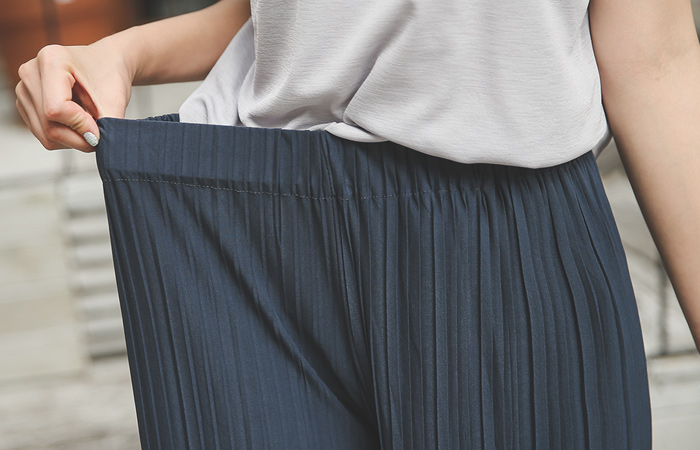 Easy Cool Pleats Wide Pants