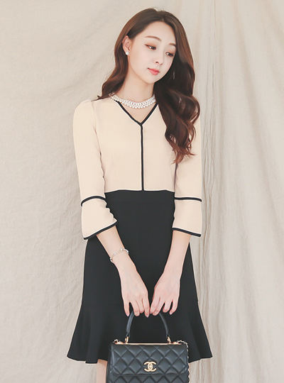 atelier Core Line Ruffle Dress