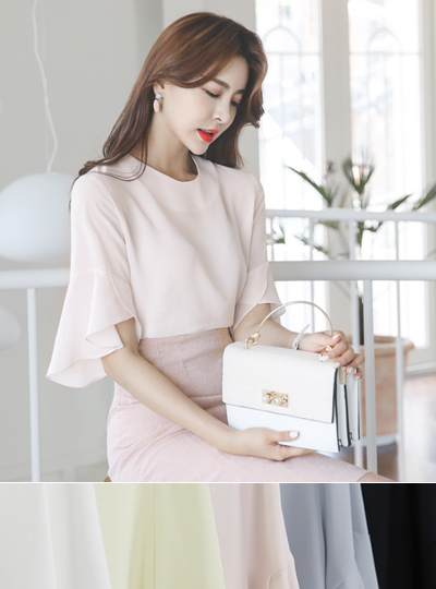 Ruffle Bell Sleeves Round Color Blouse