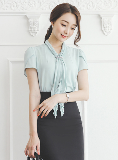Pleats Scarf Brooch Blouse(short sleeves)