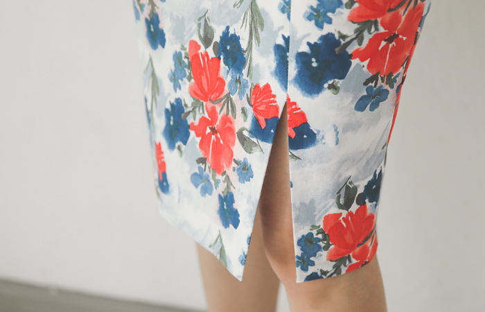 Misty Flower Slit Cotton Span Skirt