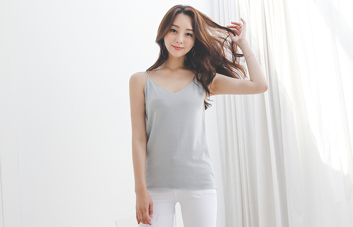 Shining Biscos V-neck Slim Sleeveless shirts Knit