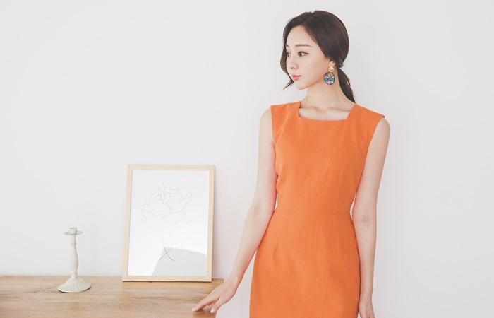 Basic Square Neck Cutting Sleeveless Dress