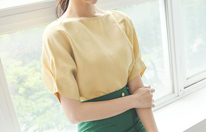 Simple Pintuck Sleeves Linen Blouse