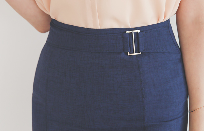 Linen-Touch Silver Buckle H-line Skirt