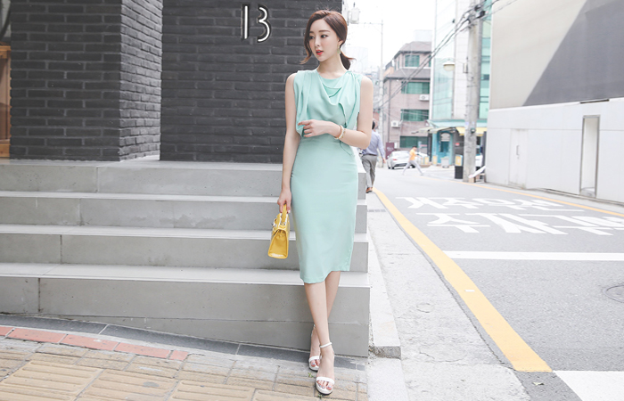Shoulder Draping Slim H-line Dress