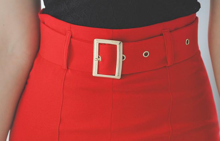 Edge Deep-Slit Gold Buckle Belted High-Skirt