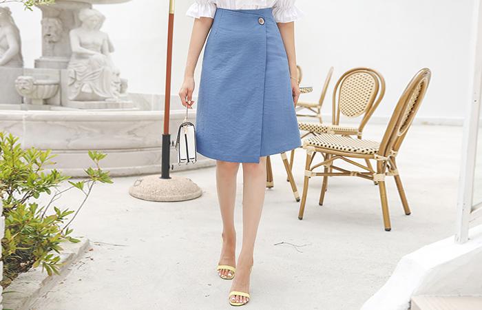 Wood Button unbalance A-line Wrap Skirt