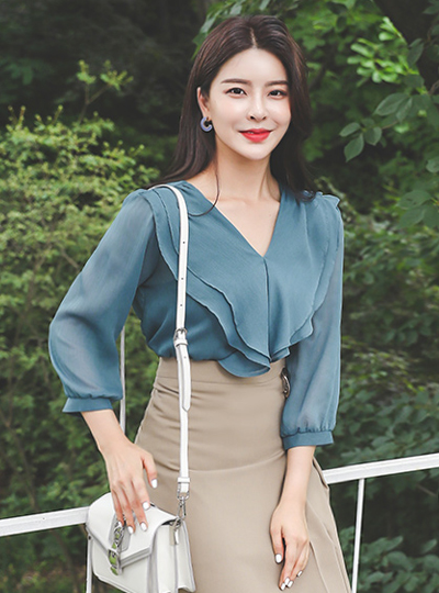 V-neck Double Ruffle Line Chiffon Blouse