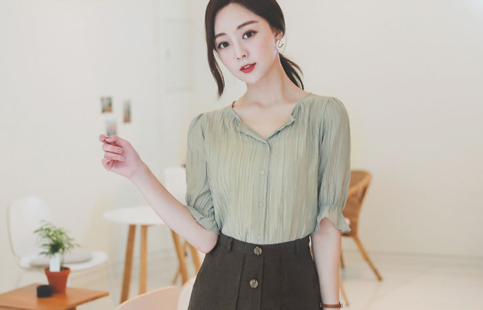 Natural Half-Open Puff Wrinkle Blouse