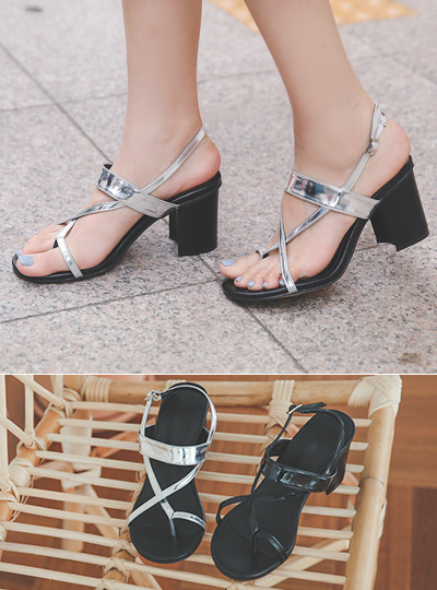 [Models wear37st]Flip Flop Glossy Sandals 통굽힐