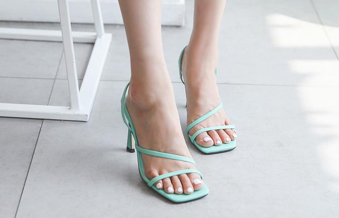 [Models wear37st]Square-Line Color Strap Heels