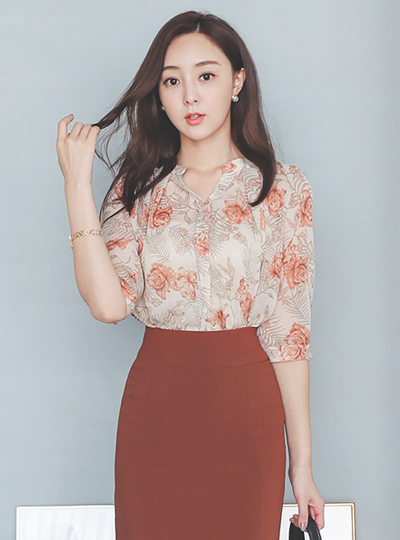 Open-Neck Pintuck Flower Printing Capri Sleeves Blouse