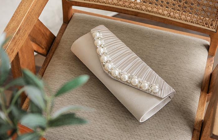 Wrinkle Pearl&Cubic Satin Clutch bag