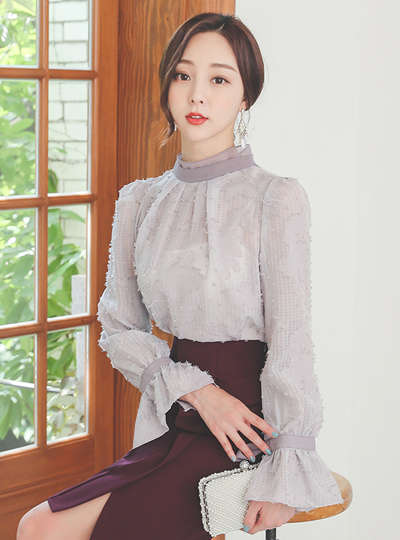 Fringe High-Neck Bell Sleeves Ribbon Blouse