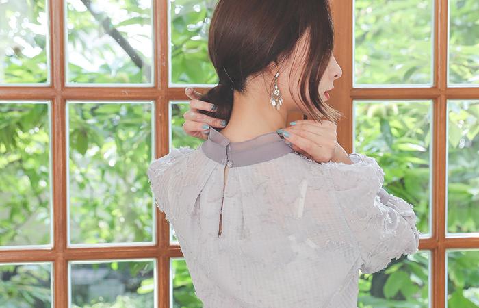 Fringe High-Neck Bell Sleeves Ribbon Blouse