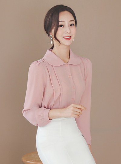 Flat Round Collar Pintuck Blouse