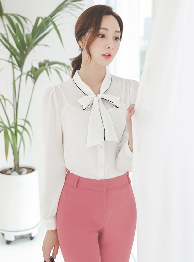 Modern Piping Tie Blouse