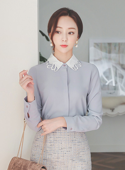 Punching Wave Collar Color Combination Blouse