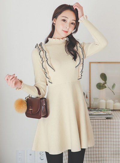 Lovely Color Combination-line Frill Flare Knit Dress