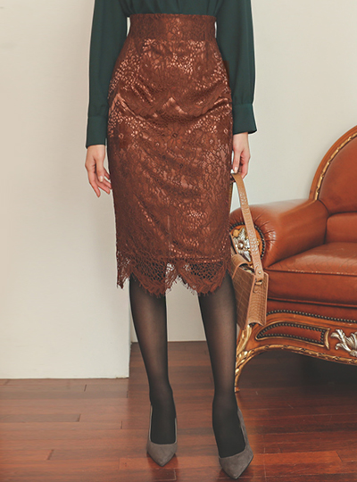 Wave Cutting Span Lace Skirt