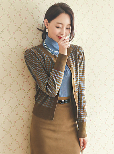 Mini Diamond Color Combination Round Wool Cardigan